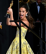 669_alicia_vikander_88th_annual_academy_awards_press_room.jpg