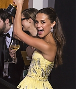 672_alicia_vikander_88th_annual_academy_awards_press_room.jpg
